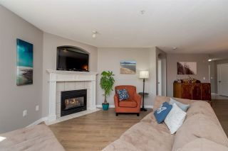 """Photo 4: 314 4770 52A Street in Delta: Delta Manor Condo for sale in """"WESTHAM LANE"""" (Ladner)  : MLS®# R2271231"""