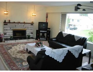 Photo 2: 8440 ROSEHILL Drive in Richmond: South Arm House for sale : MLS®# V635468