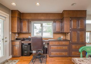 Photo 12: 127 Wedgewood Drive SW in Calgary: Wildwood Detached for sale : MLS®# A1056789