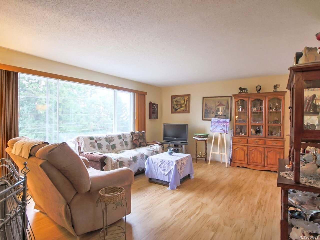 Photo 8: Photos: 5407 Lost Lake Rd in NANAIMO: Na North Nanaimo House for sale (Nanaimo)  : MLS®# 808832
