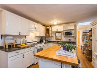 """Photo 9: 280 1840 160 Street in Surrey: King George Corridor Manufactured Home for sale in """"BREAKAWAY BAYS"""" (South Surrey White Rock)  : MLS®# R2517093"""