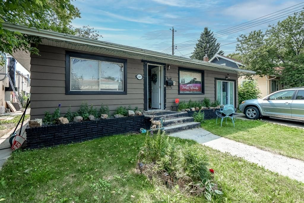 Main Photo: 349 7 Avenue NE in Calgary: Crescent Heights Detached for sale : MLS®# A1135515