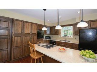 Photo 9: 2749 Asquith St in VICTORIA: Vi Oaklands House for sale (Victoria)  : MLS®# 730382