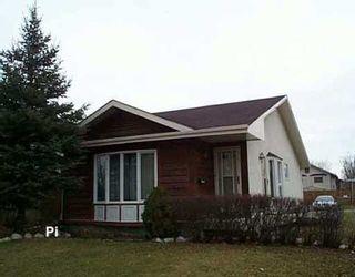 Photo 1: 28 FAIRVIEW Drive East in WINNIPEG: Transcona Residential for sale (North East Winnipeg)  : MLS®# 2517821