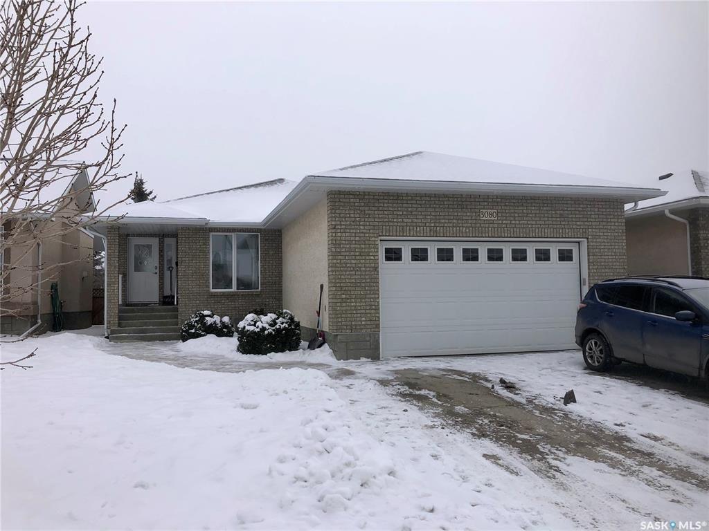 Main Photo: 3080 St James Crescent in Regina: Windsor Park Residential for sale : MLS®# SK834311