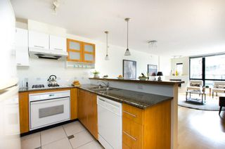 Photo 7: 608 7831 WESTMINSTER Highway in THE CAPRI: Home for sale : MLS®# R2035378