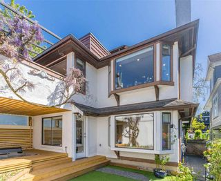 Photo 2: 3119 W 3RD Avenue in Vancouver: Kitsilano 1/2 Duplex for sale (Vancouver West)  : MLS®# R2578841