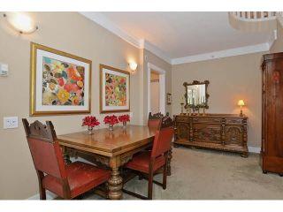 """Photo 3: 121 3188 W 41ST Avenue in Vancouver: Kerrisdale Townhouse for sale in """"THE LANESBOROUGH"""" (Vancouver West)  : MLS®# V1123090"""