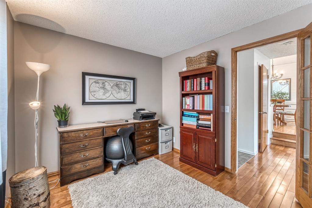 Photo 19: Photos: 47 Douglas Woods Way SE in Calgary: Douglasdale/Glen Detached for sale : MLS®# A1076729