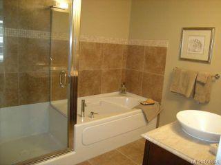 Photo 10: 207 611 Goldstream Ave in : La Fairway Condo for sale (Langford)  : MLS®# 868846
