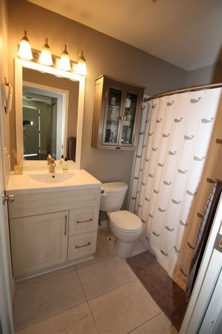 Photo 13: 5943 ST ANDREWS Place in Sechelt: Sechelt District House for sale (Sunshine Coast)  : MLS®# R2459726
