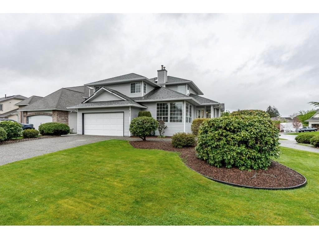 "Main Photo: 6193 185A Street in Surrey: Cloverdale BC House for sale in ""EAGLECREST"" (Cloverdale)  : MLS®# R2388424"