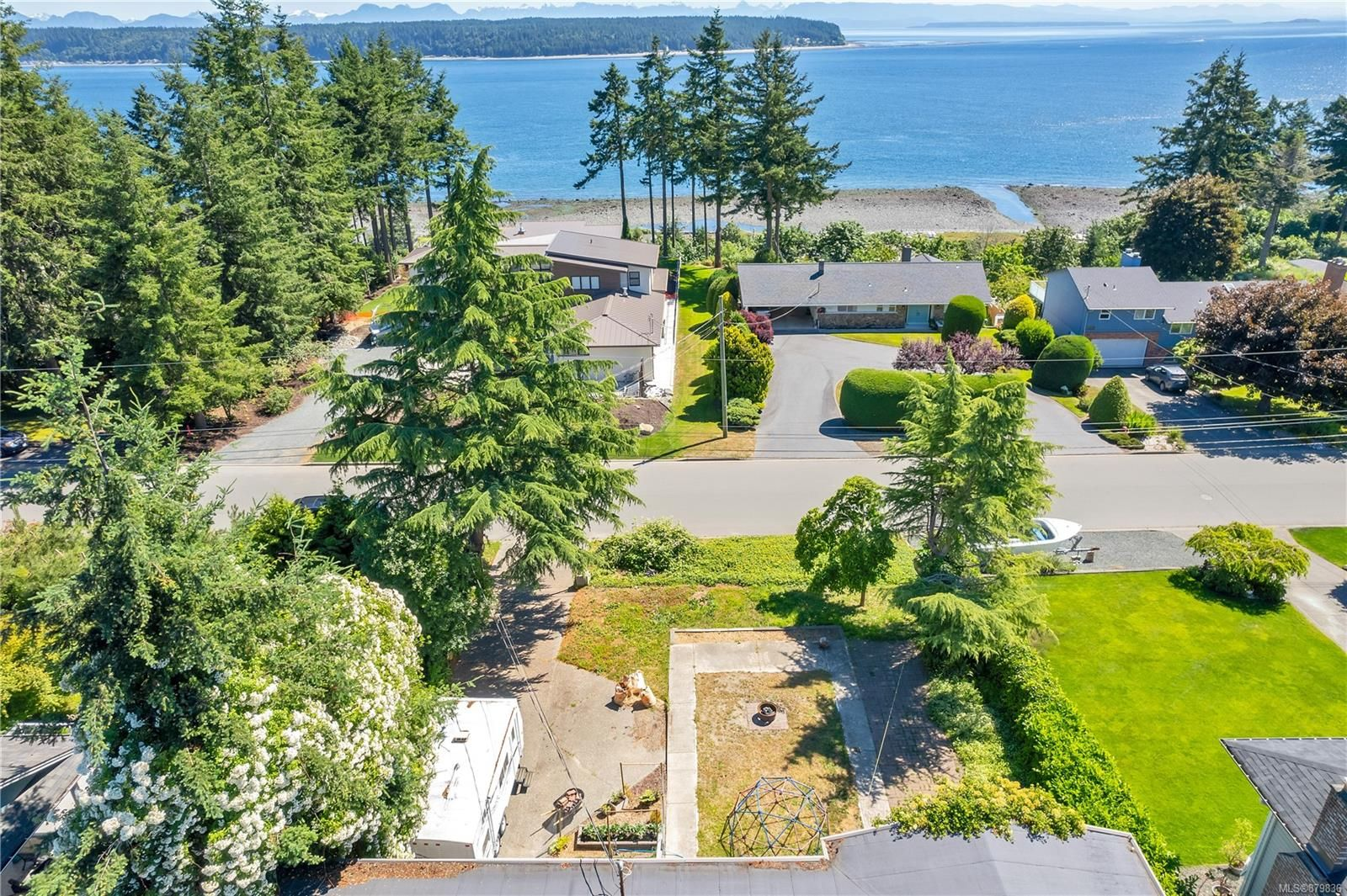 Campbell River ocean view home!