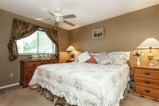 """Photo 9: 4548 SOUTHRIDGE Crescent in Langley: Murrayville House for sale in """"Murrayville"""" : MLS®# R2375830"""