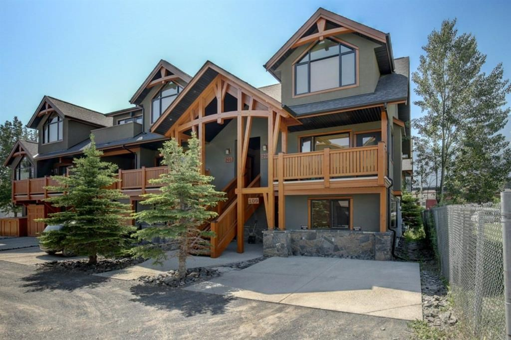 Main Photo: 202 702 4th Street: Canmore Row/Townhouse for sale : MLS®# A1125774
