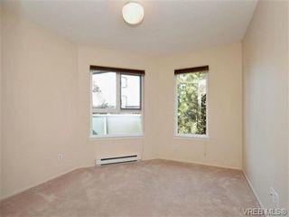 Photo 13: 404 2520 Wark St in VICTORIA: Vi Hillside Condo for sale (Victoria)  : MLS®# 692859