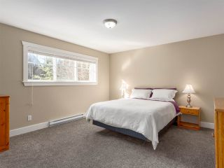 """Photo 16: 38648 CHERRY Drive in Squamish: Valleycliffe House for sale in """"Raven's Plateau"""" : MLS®# R2205403"""
