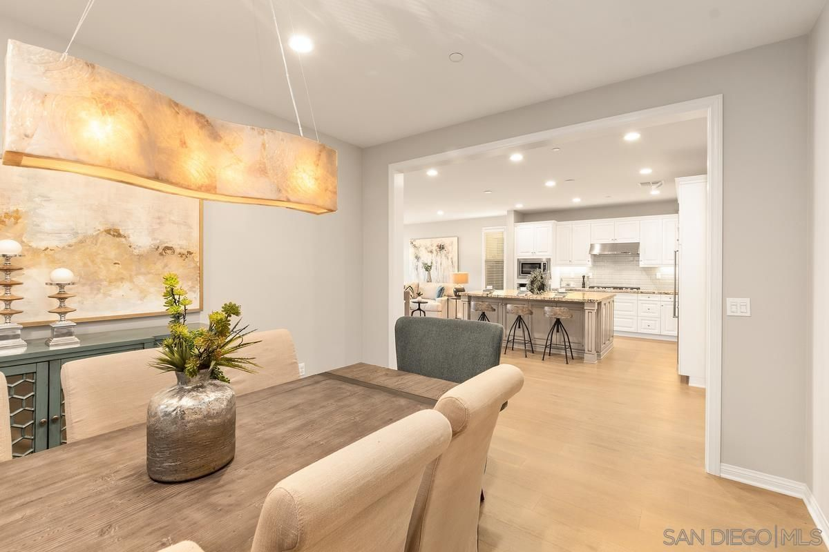 Photo 10: Photos: RANCHO BERNARDO House for sale : 3 bedrooms : 8012 Auberge Circle in San Diego