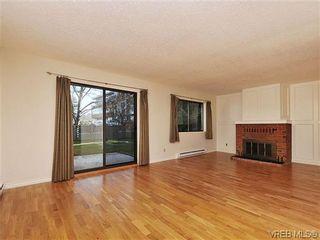 Photo 2: 6 4350 West Saanich Rd in VICTORIA: SW Royal Oak Row/Townhouse for sale (Saanich West)  : MLS®# 634889