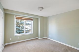 Photo 13: 429 19 Avenue NE in Calgary: Winston Heights/Mountview Semi Detached for sale : MLS®# A1063188