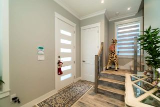 Photo 5: 5474 DUNDEE Street in Vancouver: Collingwood VE 1/2 Duplex for sale (Vancouver East)  : MLS®# R2587238