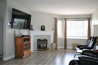 "Photo 4: 44 3087 IMMEL Street in Abbotsford: Central Abbotsford Townhouse for sale in ""Clayburn Estates"" : MLS®# R2339590"