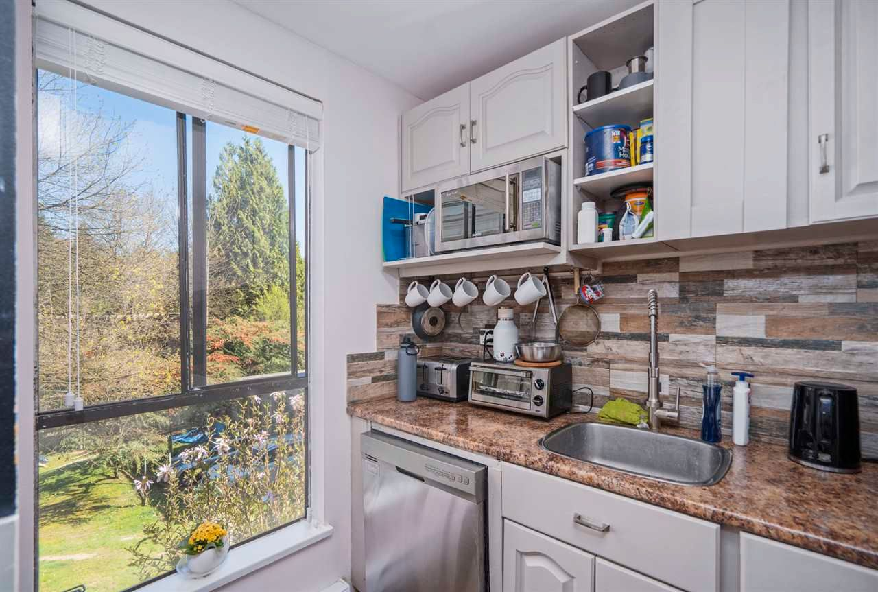 """Photo 9: Photos: 204 9143 SATURNA Drive in Burnaby: Simon Fraser Hills Townhouse for sale in """"Mountain Wood"""" (Burnaby North)  : MLS®# R2569786"""
