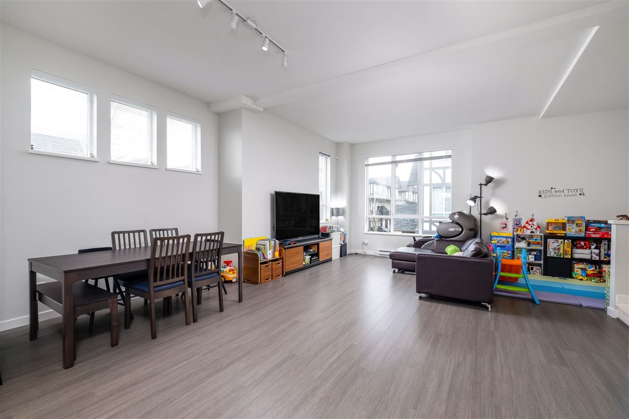 """Photo 9: Photos: 17 10388 NO. 2 Road in Richmond: Woodwards Townhouse for sale in """"KINGSLEY ESTATE"""" : MLS®# R2529818"""