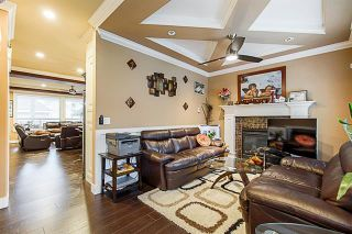 Photo 4: 5873 131A Street in Surrey: Panorama Ridge House for sale : MLS®# R2373398