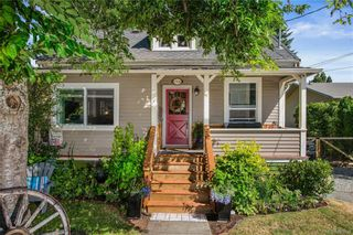 Photo 1: 1314 Lang St in : Vi Mayfair House for sale (Victoria)  : MLS®# 845599