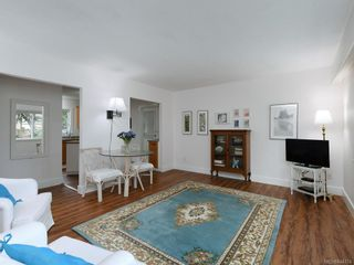 Photo 5: 2359 Brethour Ave in Sidney: Si Sidney North-East House for sale : MLS®# 844374