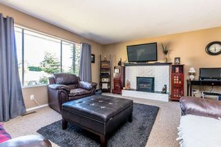 Photo 3: 2011 MCMILLAN Road in Abbotsford: Abbotsford East House for sale : MLS®# R2199487