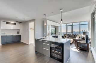 """Photo 15: 4202 4485 SKYLINE Drive in Burnaby: Brentwood Park Condo for sale in """"ALTUS AT SOLO"""" (Burnaby North)  : MLS®# R2316432"""
