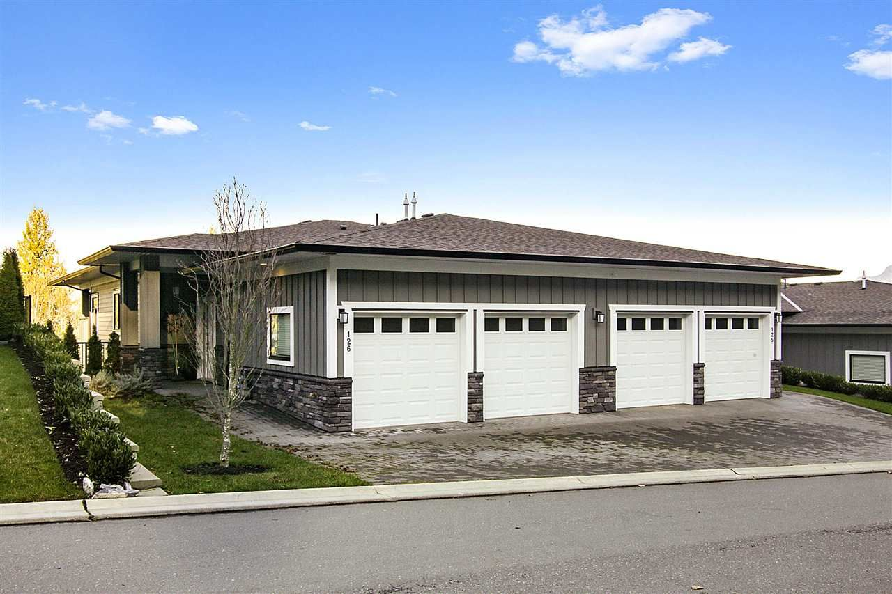 Main Photo: 126 51096 FALLS Court in Chilliwack: Eastern Hillsides Townhouse for sale : MLS®# R2537896