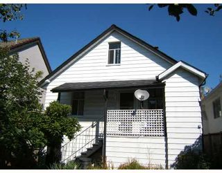 """Photo 3: 3144 E 22ND Avenue in Vancouver: Renfrew Heights House for sale in """"RENFREW HEIGHTS"""" (Vancouver East)  : MLS®# V733702"""