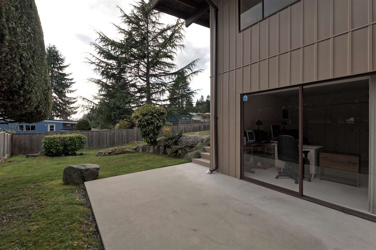 Photo 18: Photos: 2923 EDDYSTONE Crescent in North Vancouver: Windsor Park NV House for sale : MLS®# R2253154