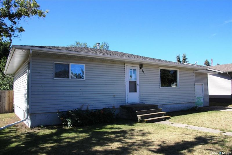 FEATURED LISTING: 141 2 Avenue East Allan