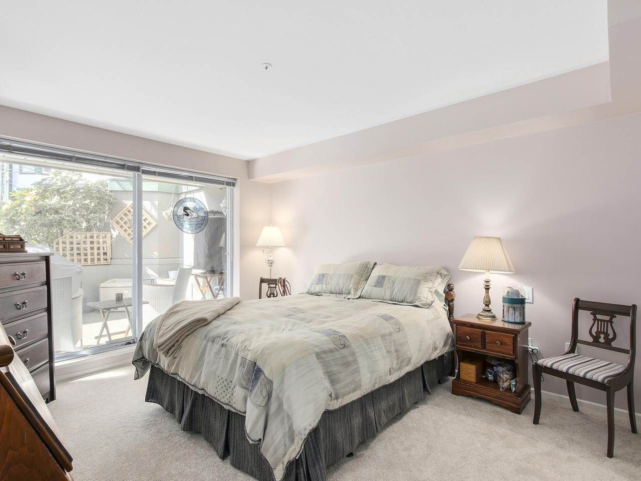 """Photo 7: Photos: 209 1575 BEST Street: White Rock Condo for sale in """"THE EMBASSY"""" (South Surrey White Rock)  : MLS®# R2151526"""