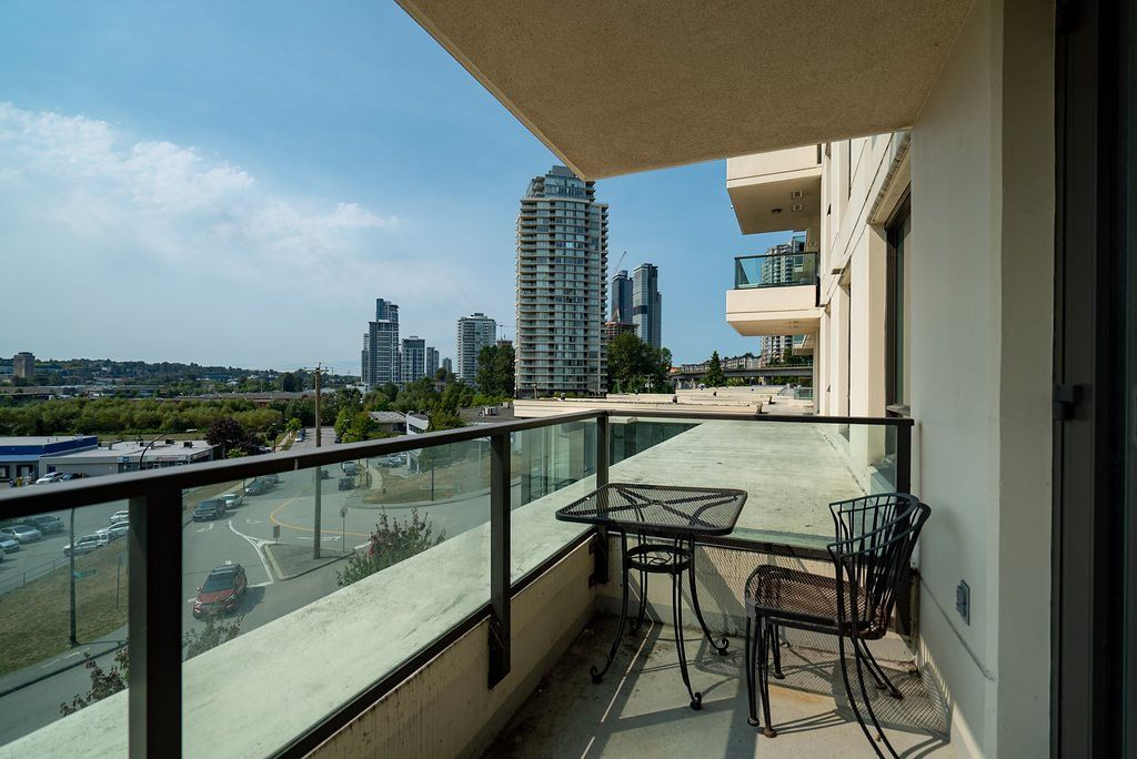 Photo 18: Photos: 402 2232 DOUGLAS ROAD in Burnaby: Brentwood Park Condo for sale (Burnaby North)  : MLS®# R2495564