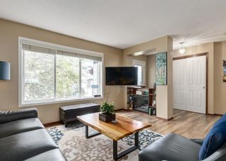 Photo 5: 20 Everridge Road SW in Calgary: Evergreen Detached for sale : MLS®# A1121337