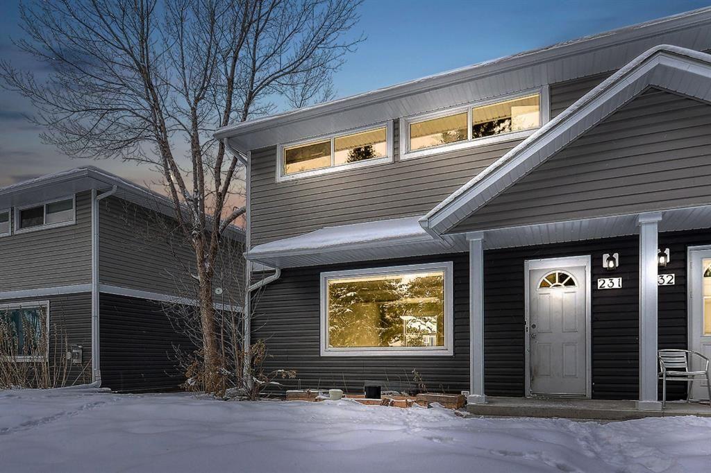 Main Photo: 231 Regal Park NE in Calgary: Renfrew Row/Townhouse for sale : MLS®# A1068574