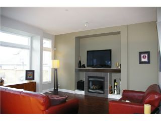 """Photo 4: 19485 THORBURN Way in Pitt Meadows: South Meadows House for sale in """"RIVERS EDGE"""" : MLS®# V991085"""