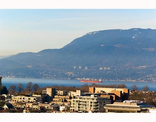 """Main Photo: 906 1650 W 7TH Avenue in Vancouver: Fairview VW Condo for sale in """"VIRTU"""" (Vancouver West)  : MLS®# V748830"""