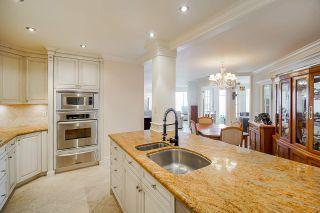 """Photo 15: 304 15025 VICTORIA Avenue: White Rock Condo for sale in """"Victoria Terrace"""" (South Surrey White Rock)  : MLS®# R2560643"""