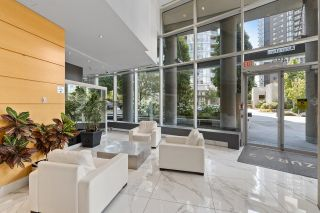"""Photo 2: 708 1495 RICHARDS Street in Vancouver: Yaletown Condo for sale in """"AZURA II"""" (Vancouver West)  : MLS®# R2606162"""