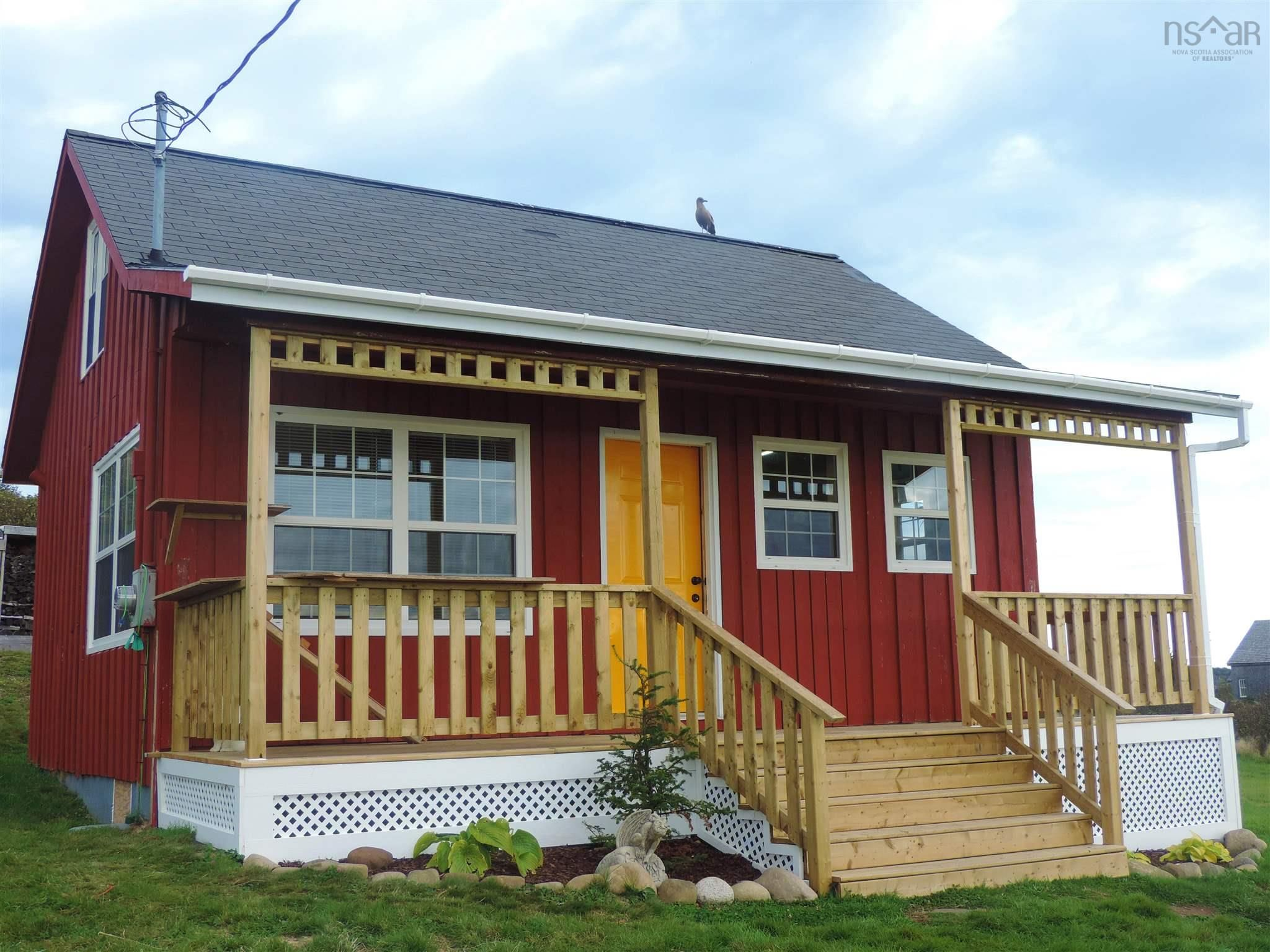 Main Photo: 111 Water Street in Freeport: 401-Digby County Residential for sale (Annapolis Valley)  : MLS®# 202125331