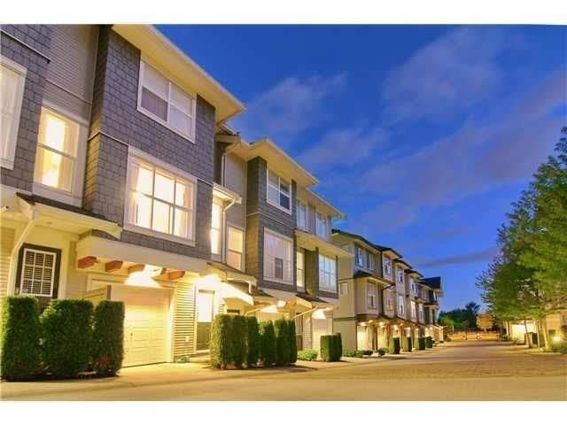Main Photo: 25 6736 SOUTHPOINT Drive in Burnaby: South Slope Townhouse for sale (Burnaby South)  : MLS®# R2587176