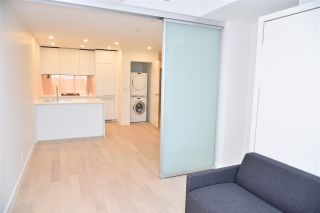 """Photo 10: 3811 1480 HOWE Street in Vancouver: Yaletown Condo for sale in """"VANCOUVER HOUSE BY WESTBANK"""" (Vancouver West)  : MLS®# R2543232"""