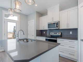 Photo 4: 41 SKYVIEW Parade NE in Calgary: Skyview Ranch Row/Townhouse for sale : MLS®# C4295841