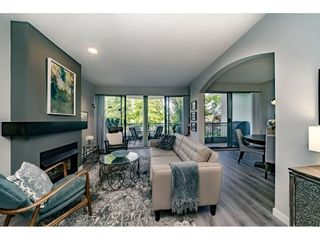 """Photo 8: 201 1705 MARTIN Drive in Surrey: Sunnyside Park Surrey Condo for sale in """"Southwynd"""" (South Surrey White Rock)  : MLS®# R2393853"""